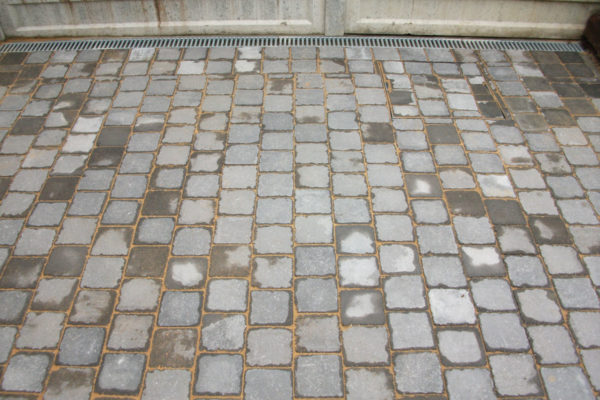 driveways-and-patios-block-paving-tar-and-chip-roofing-brick-walls-essex-colchester-chelmsford-romford-maldon-nb-contracts-DSCF2054