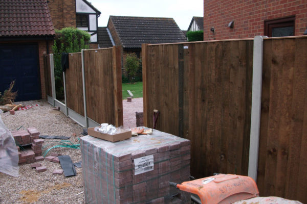 driveways-and-patios-block-paving-tar-and-chip-roofing-brick-walls-essex-colchester-chelmsford-romford-maldon-nb-contracts-DSCF2193