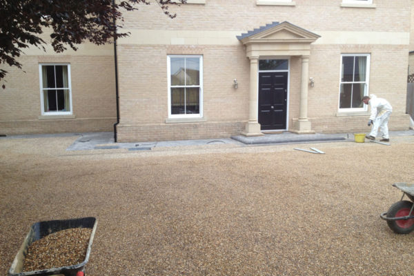 driveways-and-patios-block-paving-tar-and-chip-roofing-brick-walls-essex-colchester-chelmsford-romford-maldon-nb-contracts-IMG_0063
