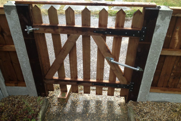 Fencing-Gates-Essex-Colchester
