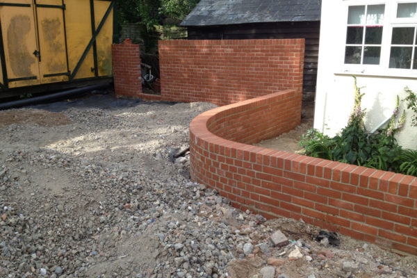 driveways-and-patios-block-paving-tar-and-chip-roofing-brick-walls-essex-colchester-chelmsford-romford-maldon-nb-contracts-IMG_0250