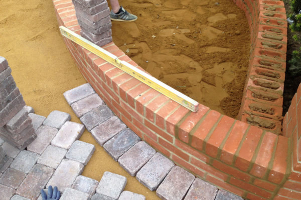 driveways-and-patios-block-paving-tar-and-chip-roofing-brick-walls-essex-colchester-chelmsford-romford-maldon-nb-contracts-IMG_0258