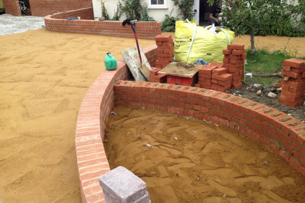 driveways-and-patios-block-paving-tar-and-chip-roofing-brick-walls-essex-colchester-chelmsford-romford-maldon-nb-contracts-IMG_0260