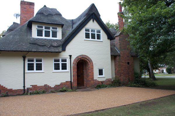 driveways-and-patios-block-paving-tar-and-chip-roofing-brick-walls-essex-colchester-chelmsford-romford-maldon-nb-contracts-IMG_5231